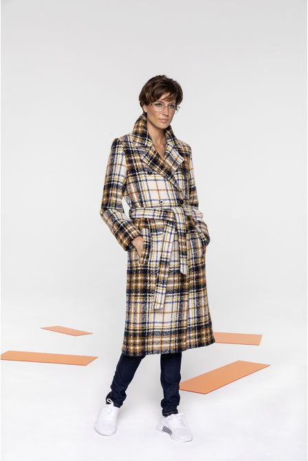 Coat in ecru and nuts shades tartan