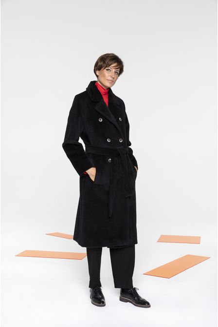 Long belted coat in Black alpaca