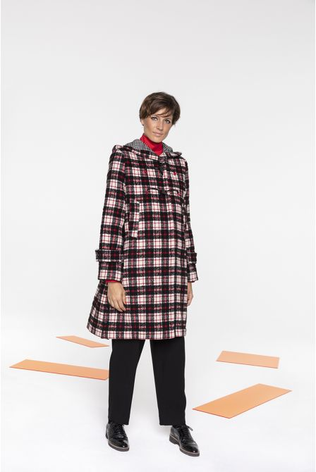 Long duffle coat in in black, red and ecru check wool