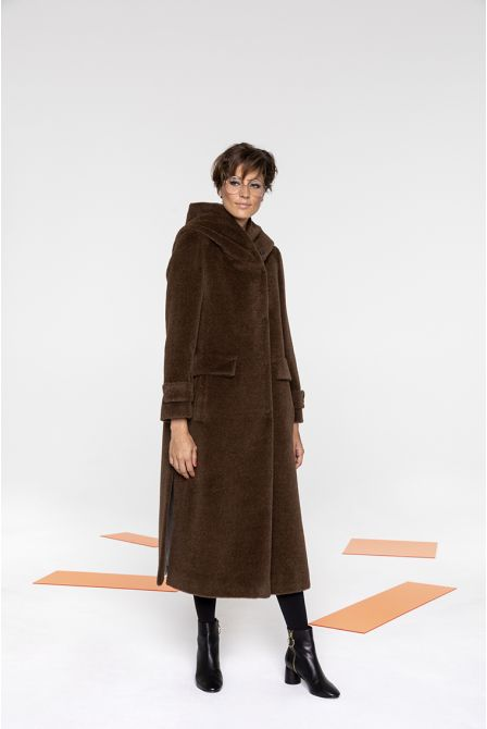 Long hooded coat in hazelnut alpaca