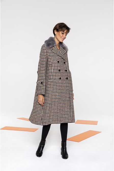 Long coat in Shepherd's neck virgin wool