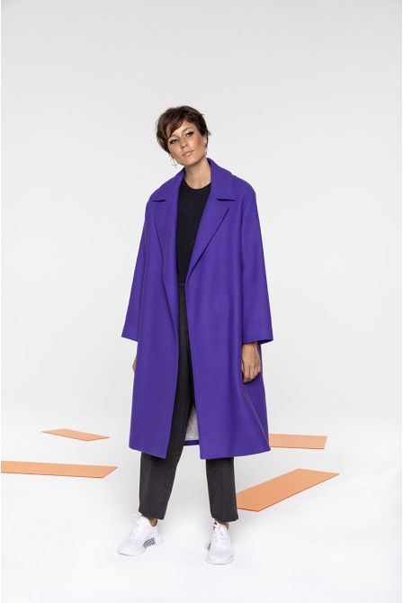 Belted coat in purple wool