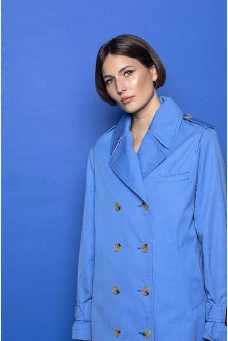 Split raincoat in blue cotton gabardine