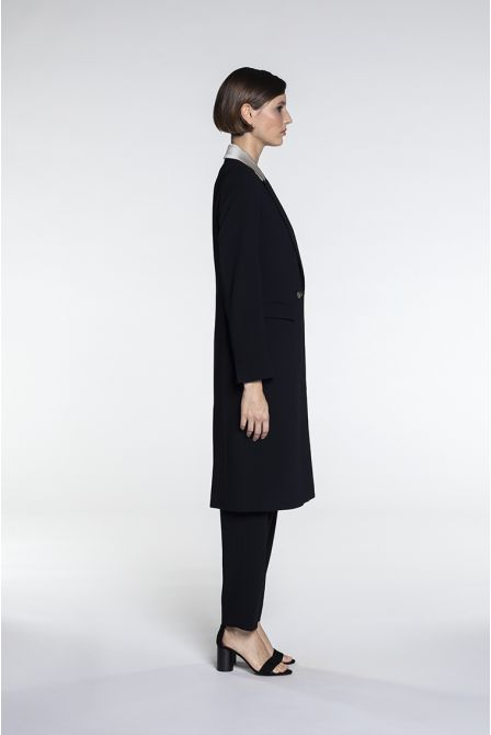 Fluid overcoat in beige and black two-material with strips