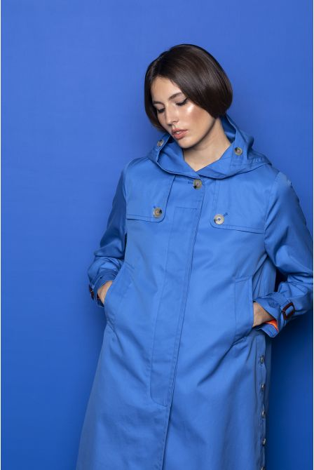 Hooded raincoat in azure blue cotton gabardine