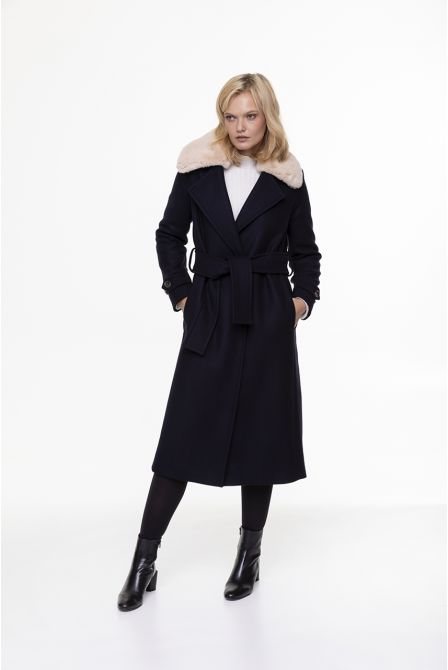 Long bellted coat in navy blue wool with fake fur collar