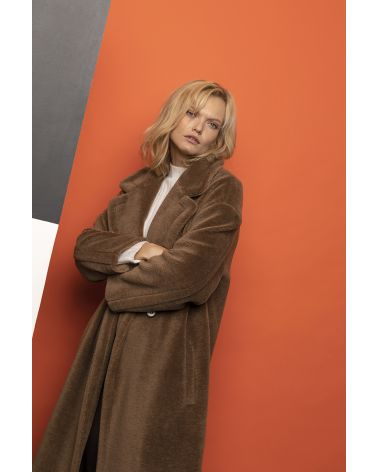 Long caramel fur coat in wool