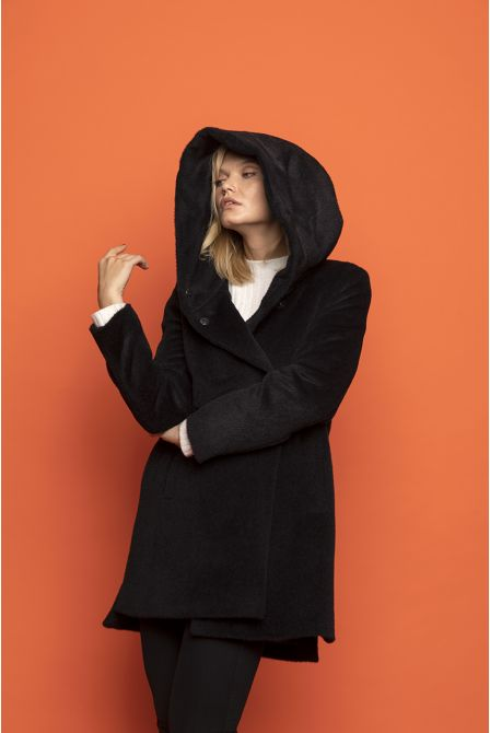 black  coat in alpaca woll with hood