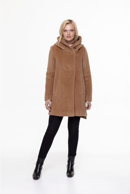 camel  coat in alpaca woll with hood