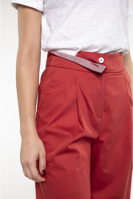 Short wide trouser in red stretch Cotton
