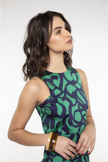 Long fitted dress in marine-green print