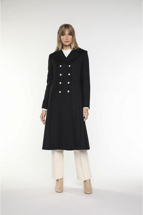 Long black coat fitted at waist