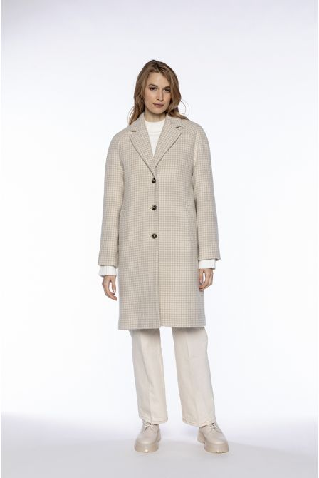 Straight overcoat in creme checked